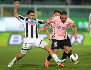 PALERMO, ITALY - MARCH 24:  Fabrizio Miccoli (R) of Palermo and Michele Pazienza of Udinese compete for the ball during the Serie A match between US Citta di Palermo and Udinese Calcio at Stadio Renzo Barbera on March 24, 2012 in Palermo, Italy.  (Photo by Tullio M. Puglia/Getty Images)