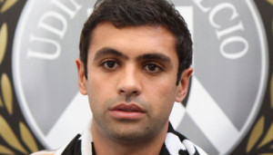 Danilo-Udinese-Foto-Divulgacao_LANIMA20110705_0005_33