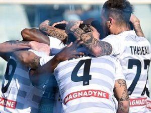 Pescara+Calcio+v+Udinese+Calcio+Serie+_PdYde2EKjpx