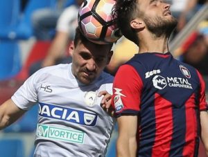 FC+Crotone+v+Udinese+Calcio+Serie+V-Lkkc4OeOsx